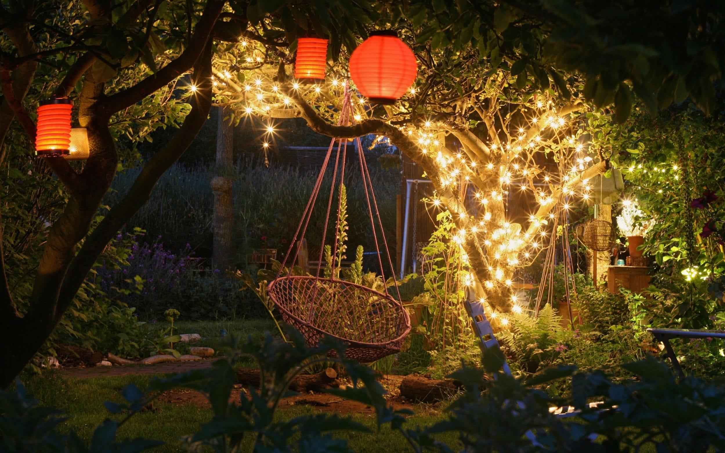Decorare il giardino a Natale