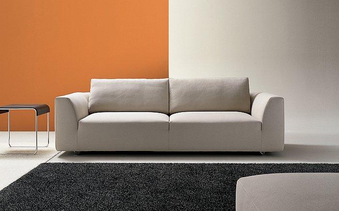 il colore giusto dietro al divano