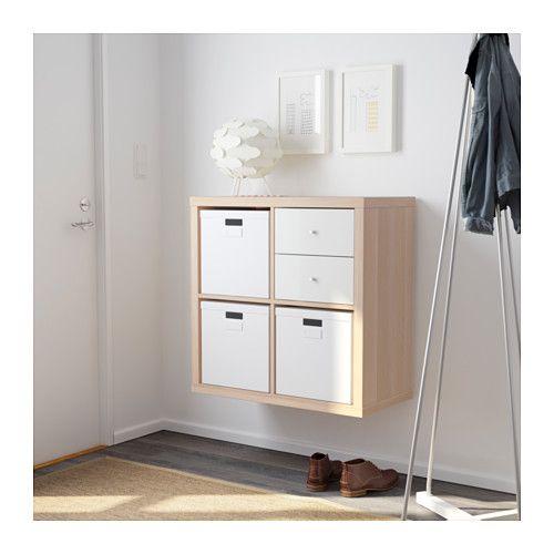 Étagères KALLAX de chez IKEA.