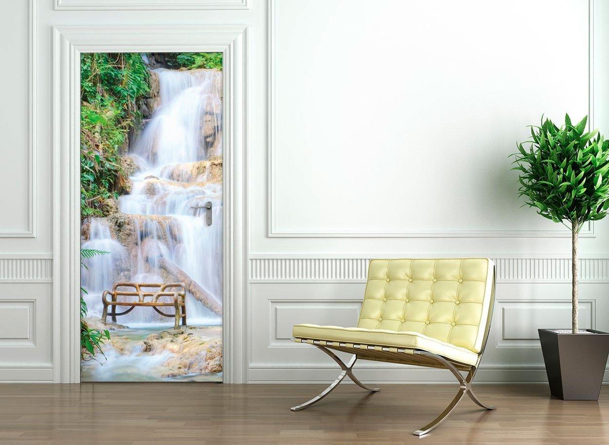 d corer une porte avec un sticker un peu de fantaisie dans votre int rieur. Black Bedroom Furniture Sets. Home Design Ideas
