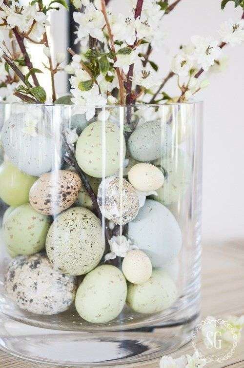 déco de Pâques dans un vase