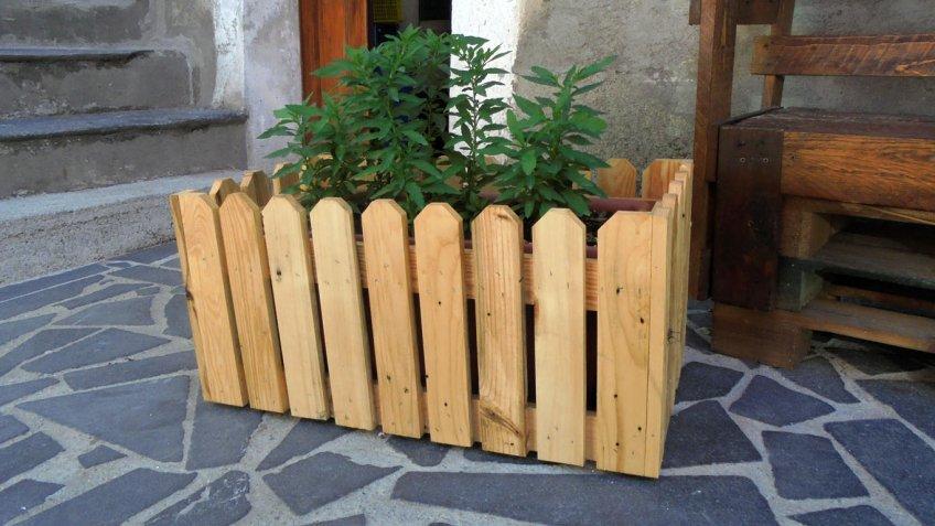 Jardini re en bois 15 id es diy qui sauront vous inspirer for Fioriera legno fai da te