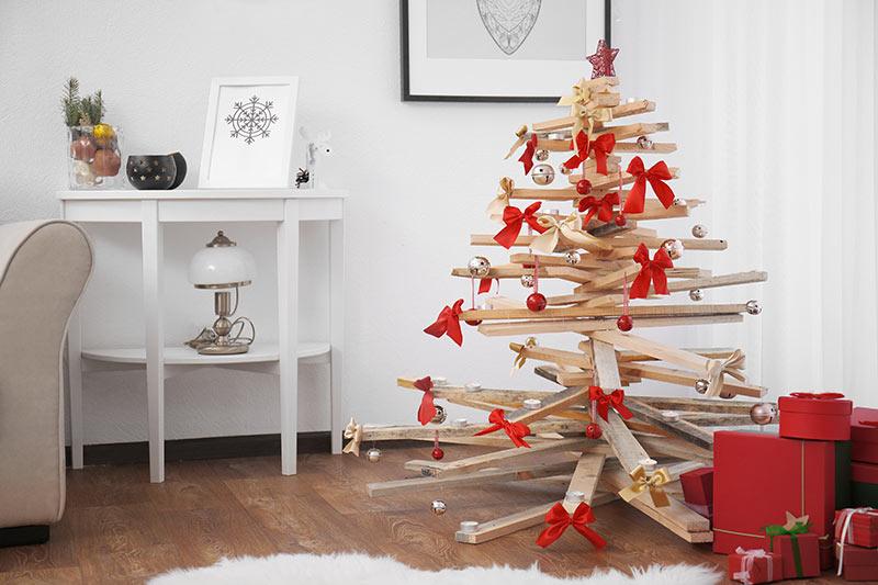 Sapin de Noël DIY avec palettes de bois.