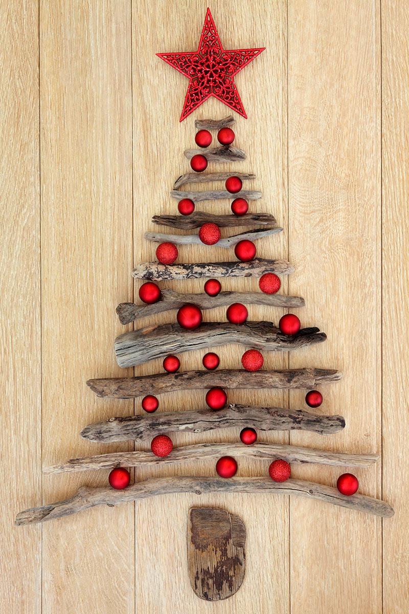 Sapin de Noël DIY en bois recyclé.