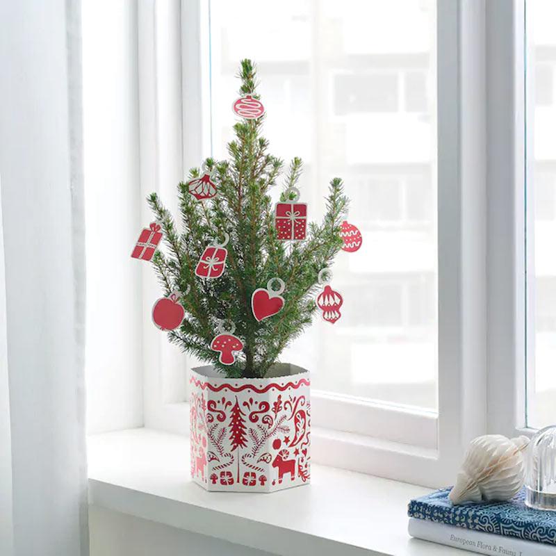Petit sapin de Noël IKEA.
