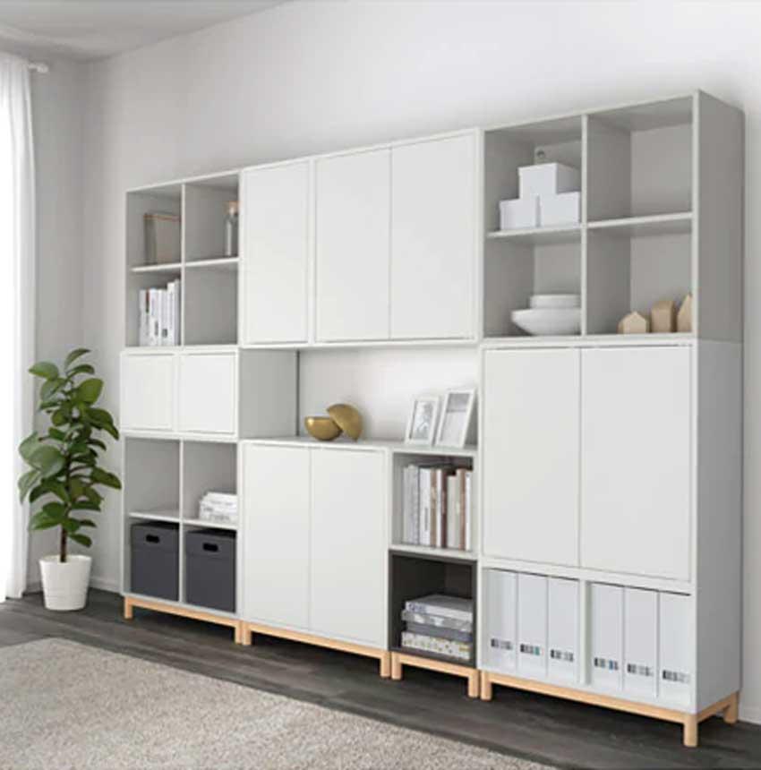 Des étagères EKET pour réaliser un ensemble meuble TV.