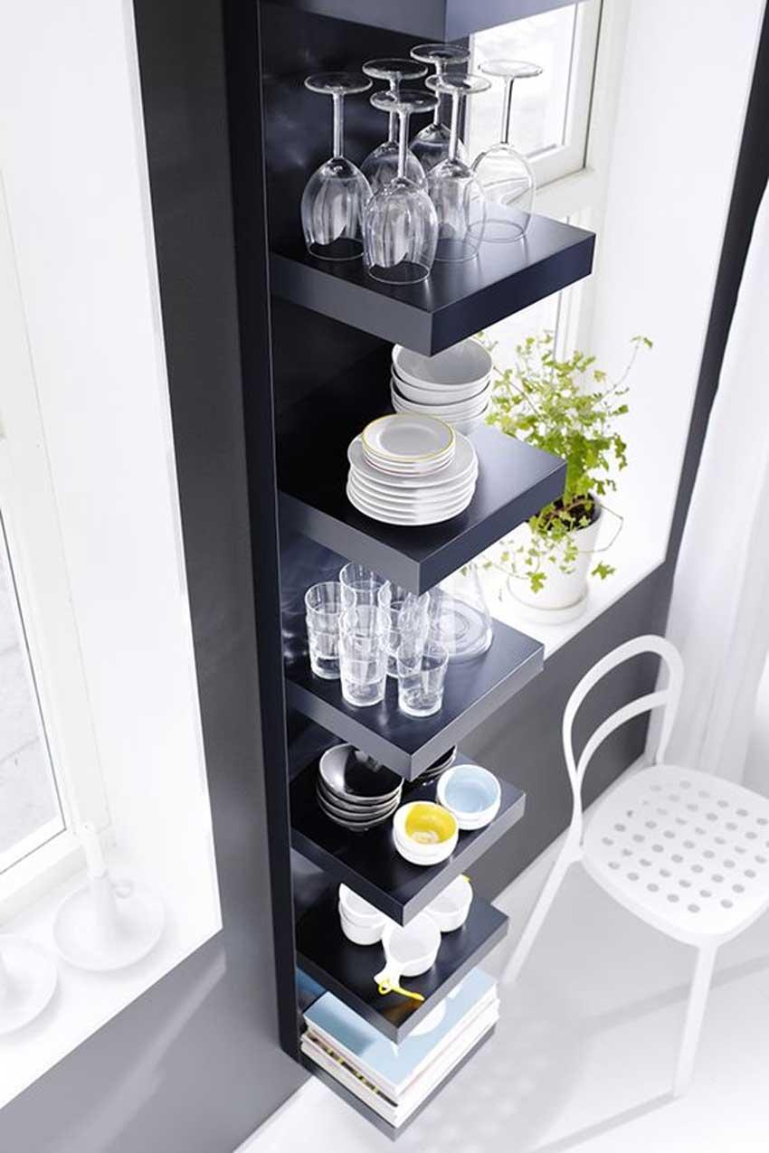 étagères Lack d'IKEA dans la cuisine
