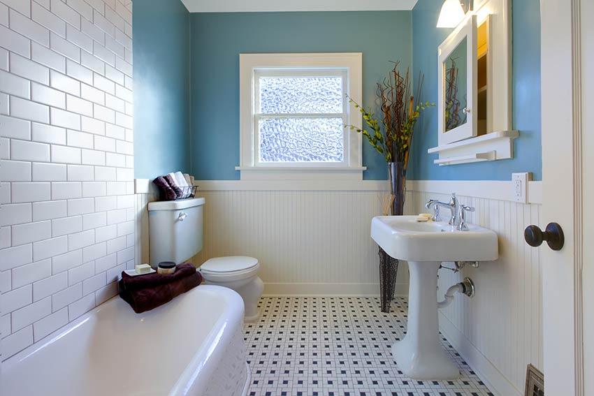 Décoration salle de bain avec pantone 2020.