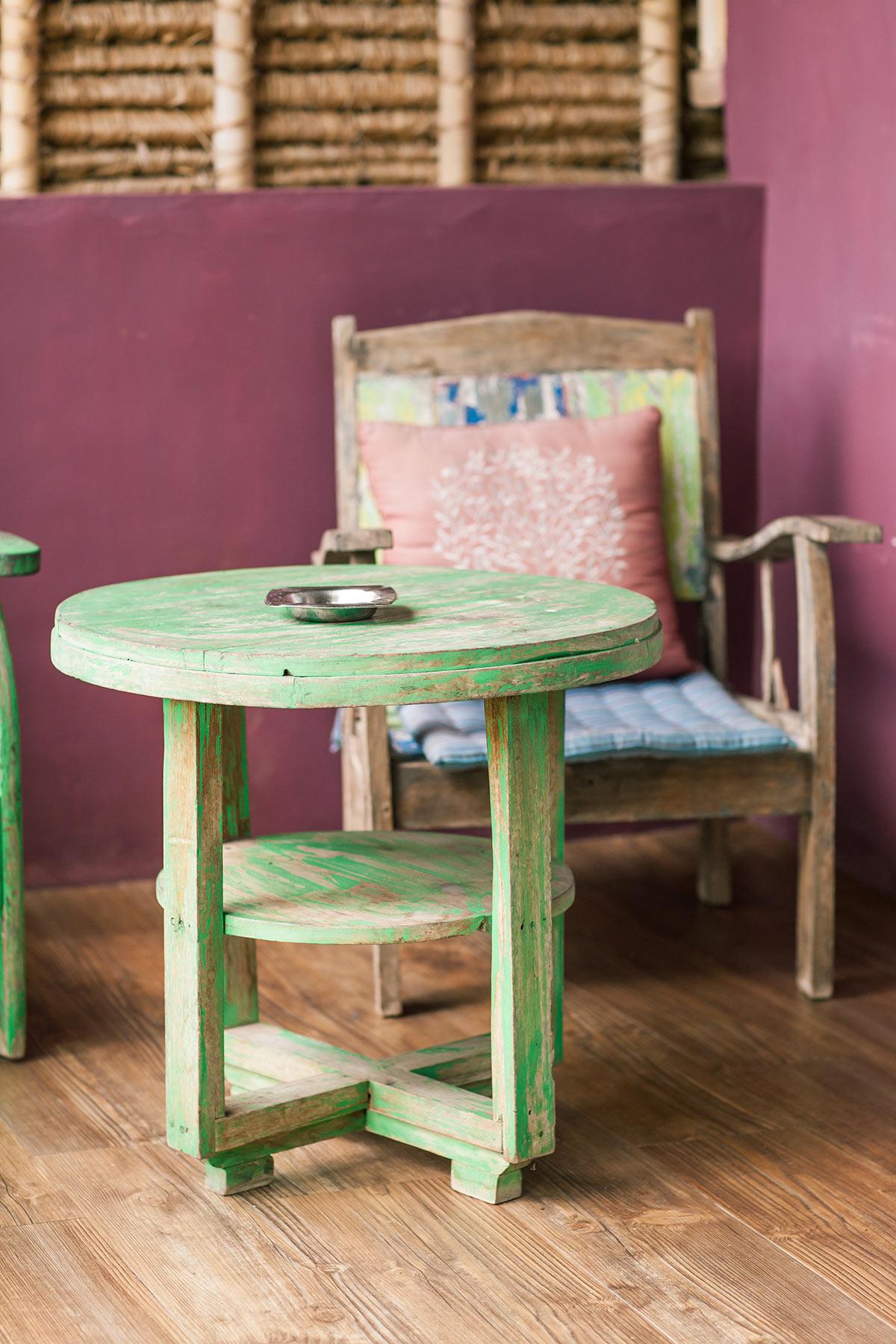 repeindre un vieux meuble en vert