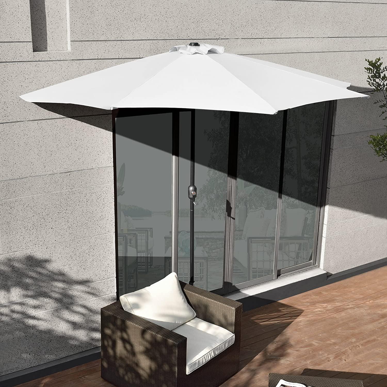 Parasol en demi-lune idéal pour le balcon.