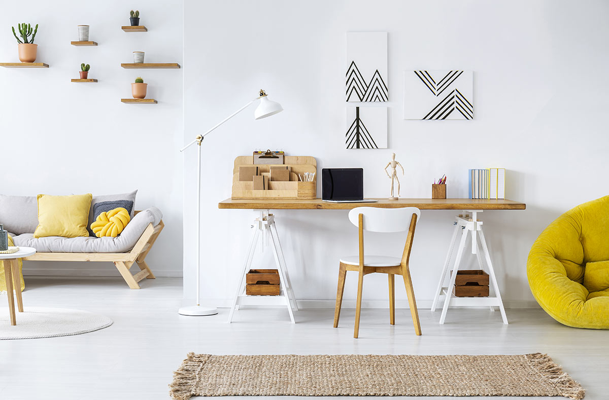 salon moderne avec espace bureau