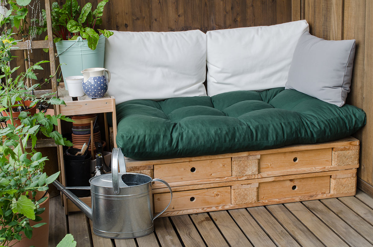 Petit divan DIY d'extérieur