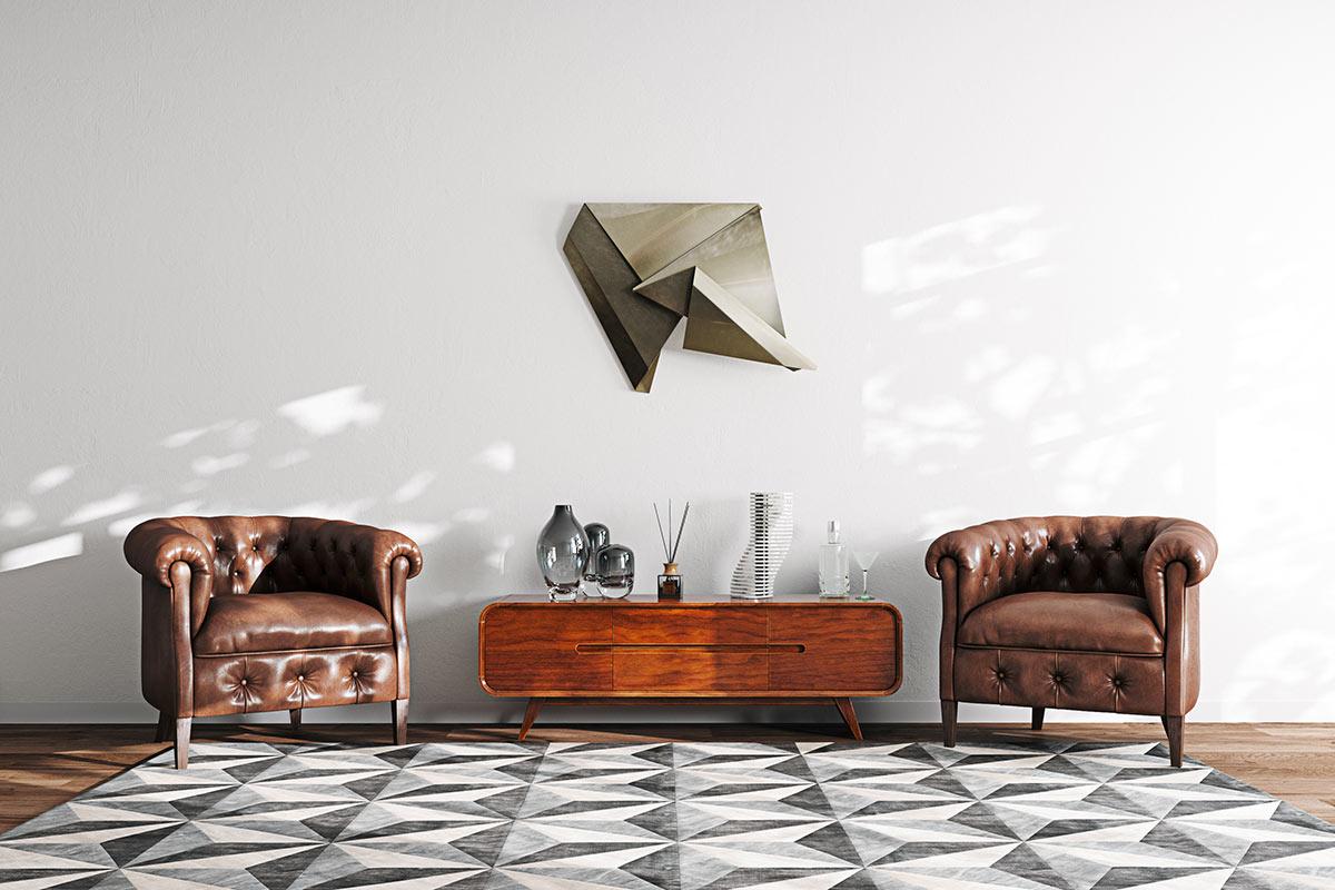 Deux fauteuils vintage avec consolle basse en bois.