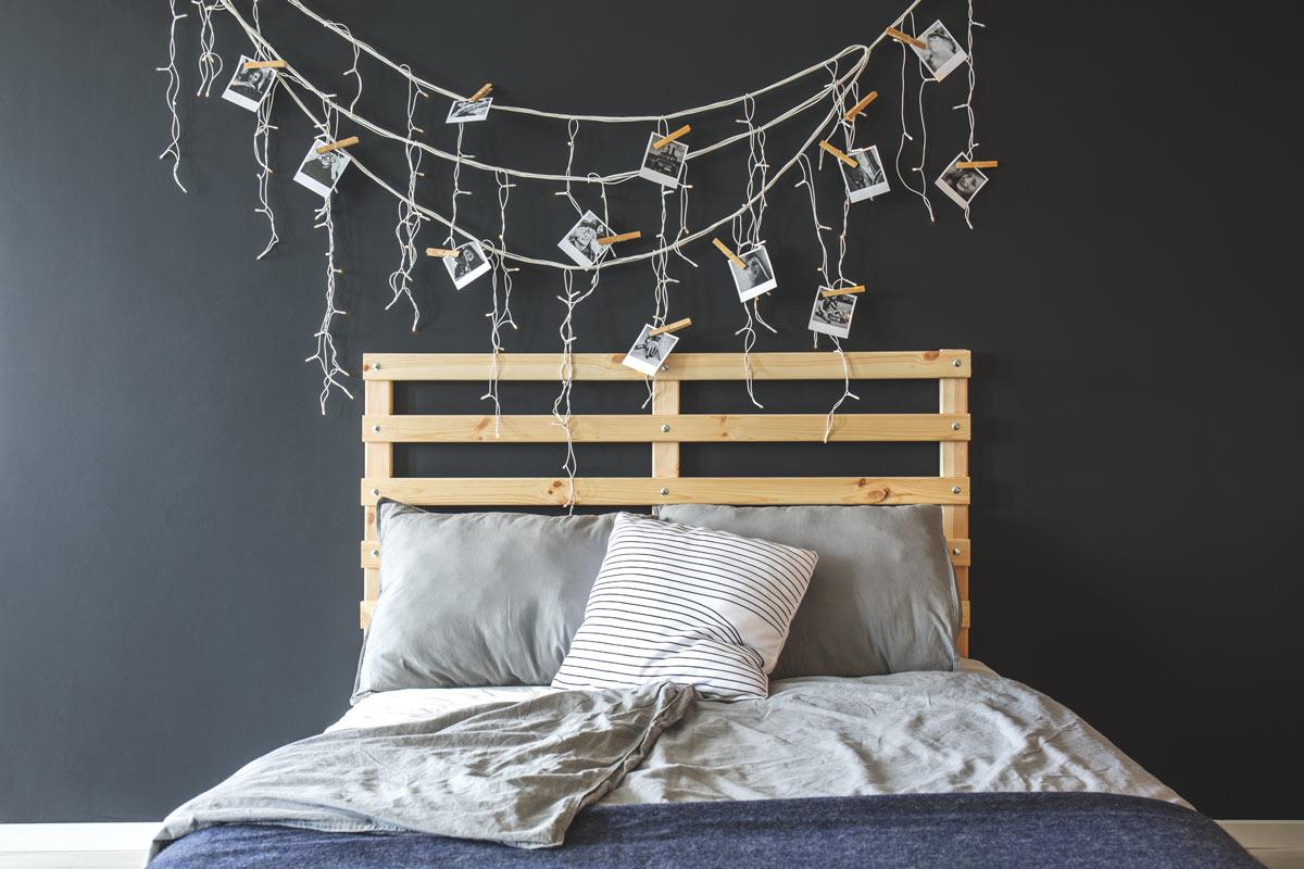 jolie tête de lit réalisé avec palettes