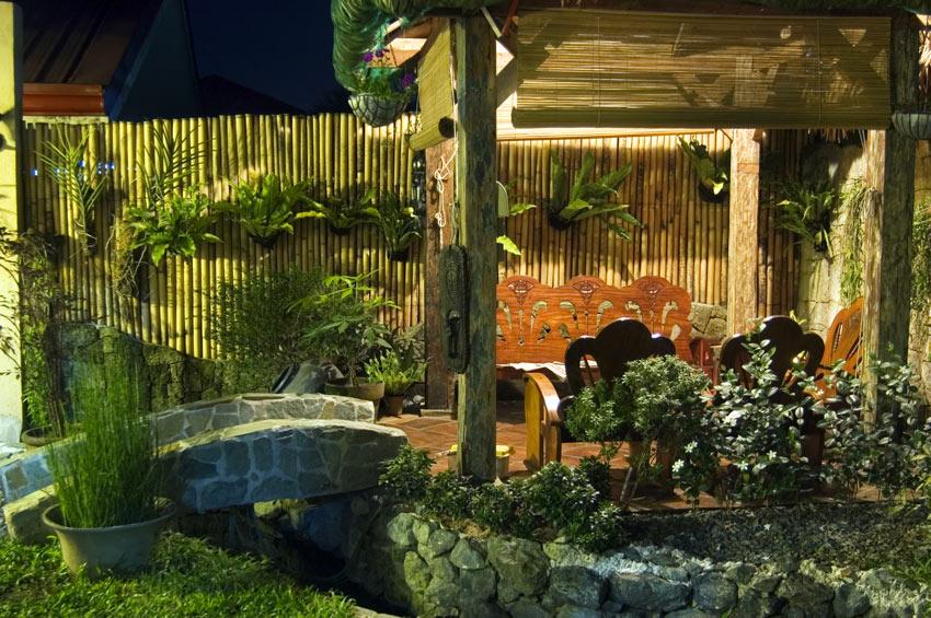 cloison en bambou pour diviser deux jardins