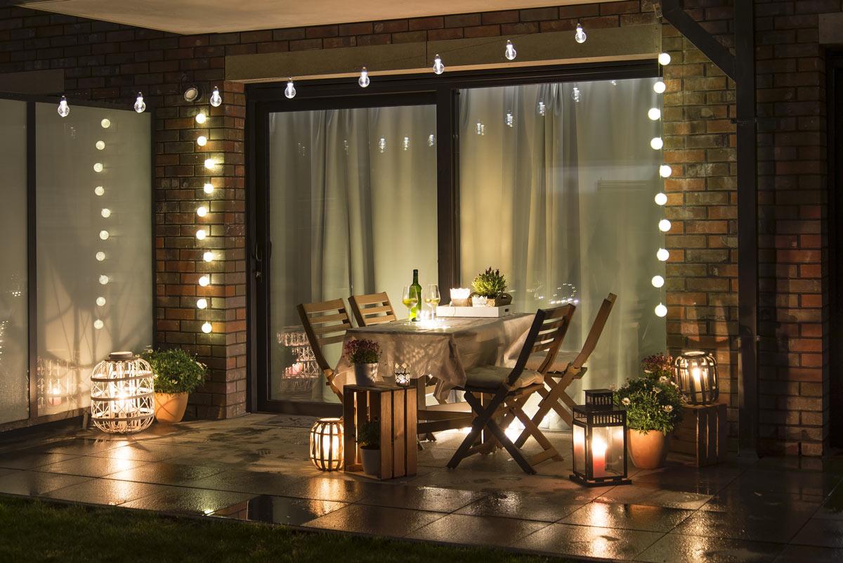 jolie illumination sur terrasse