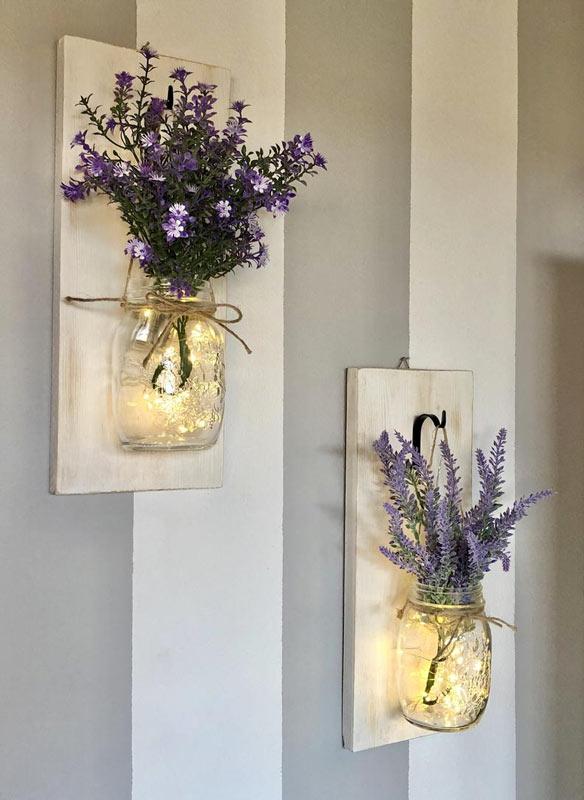 Bocaux transparants DIY accrochés au mur