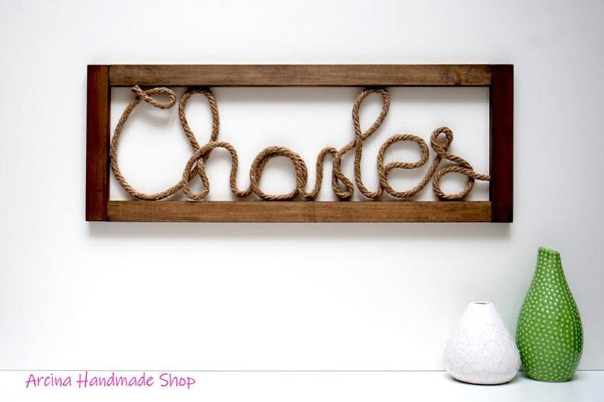 écriture avec corde et cadre en bois