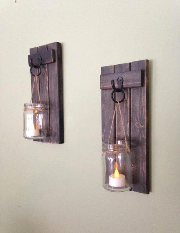 bocaux en verre sur bois foncé rustique DIY