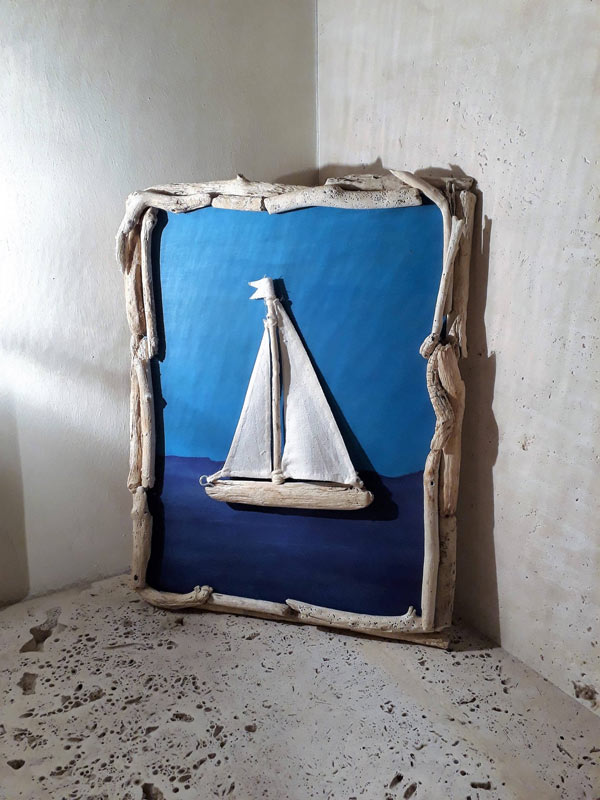 peinture stylisée avec fond marin et cadre en bois
