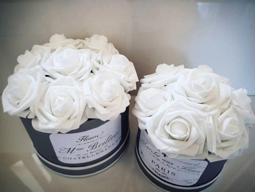 Fleurs blanches en tissu style Shabby