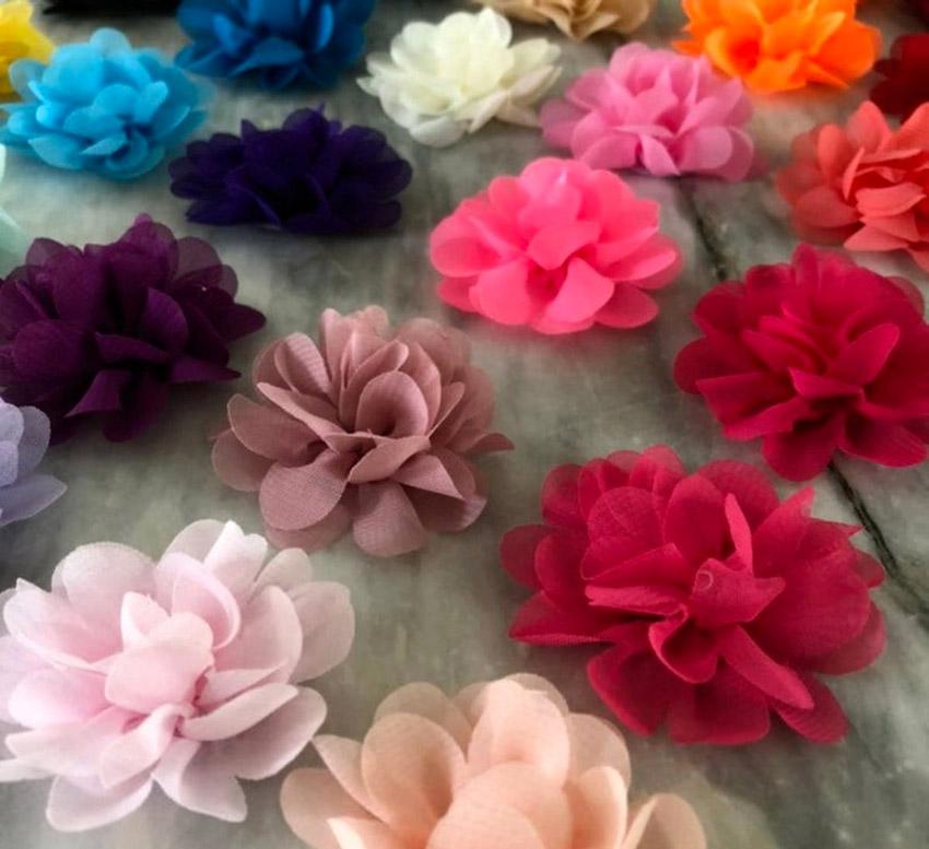 Fleurs colorées en tissu style Shabby
