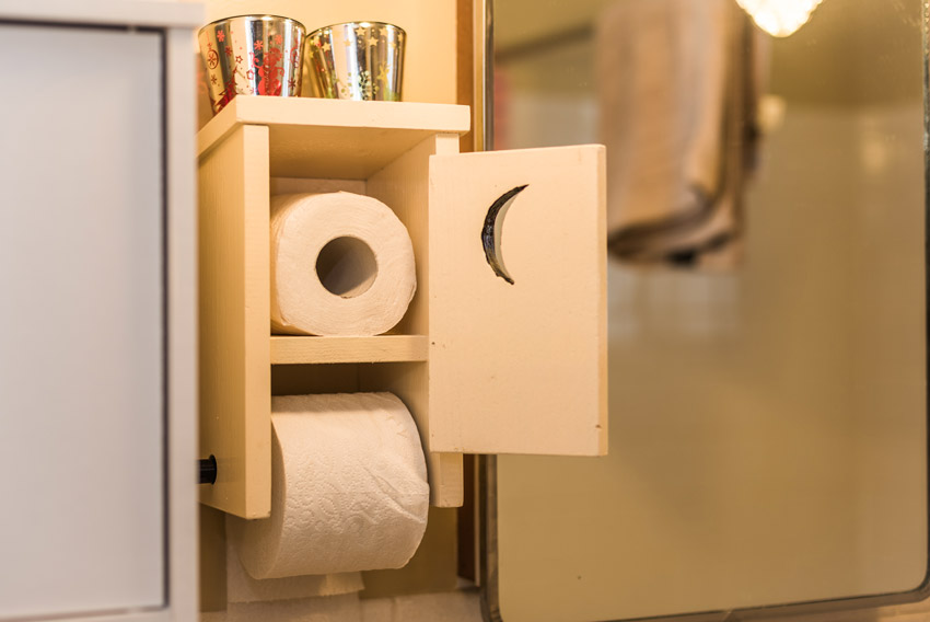 porte-rouleaux papier toilette DIY avec bois recyclé
