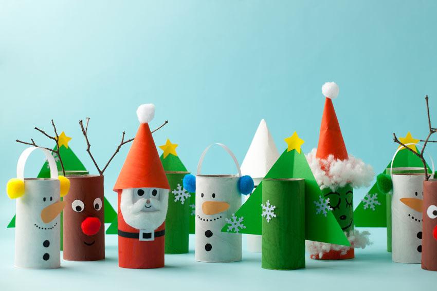 Déco Noël récup avec des rouleaux de papier toilette.