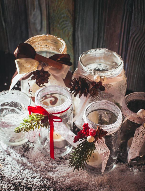 Bocaux en verre récupérer pour décorer à Noël.