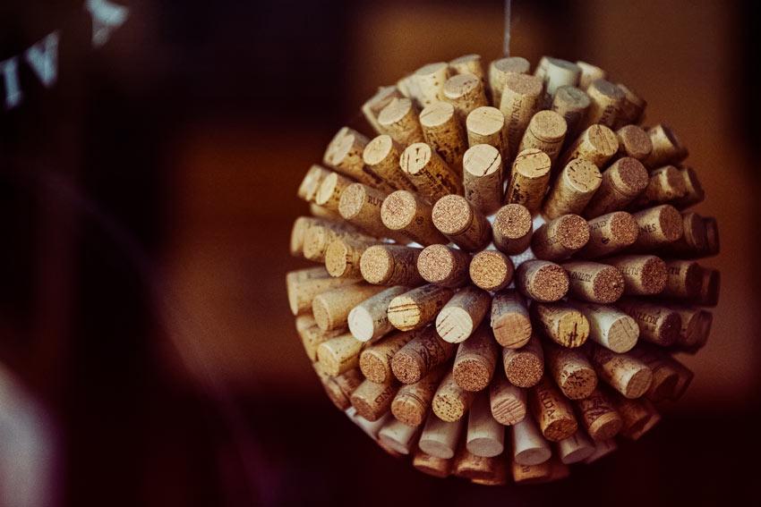 Boule de Noël en bouchons en liège