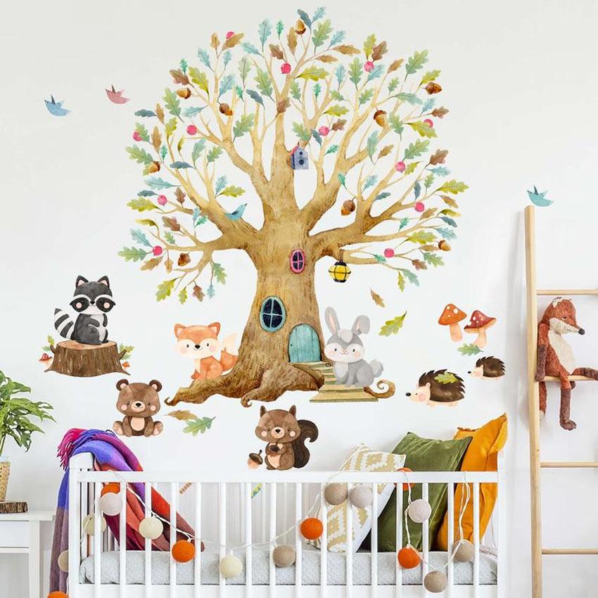 chambre des enfants décorée stickers muraux arbre