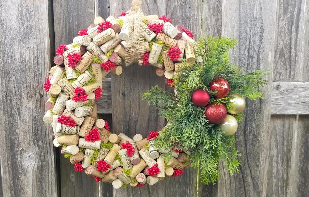 couronnes de Noël avec des bouchons en liège