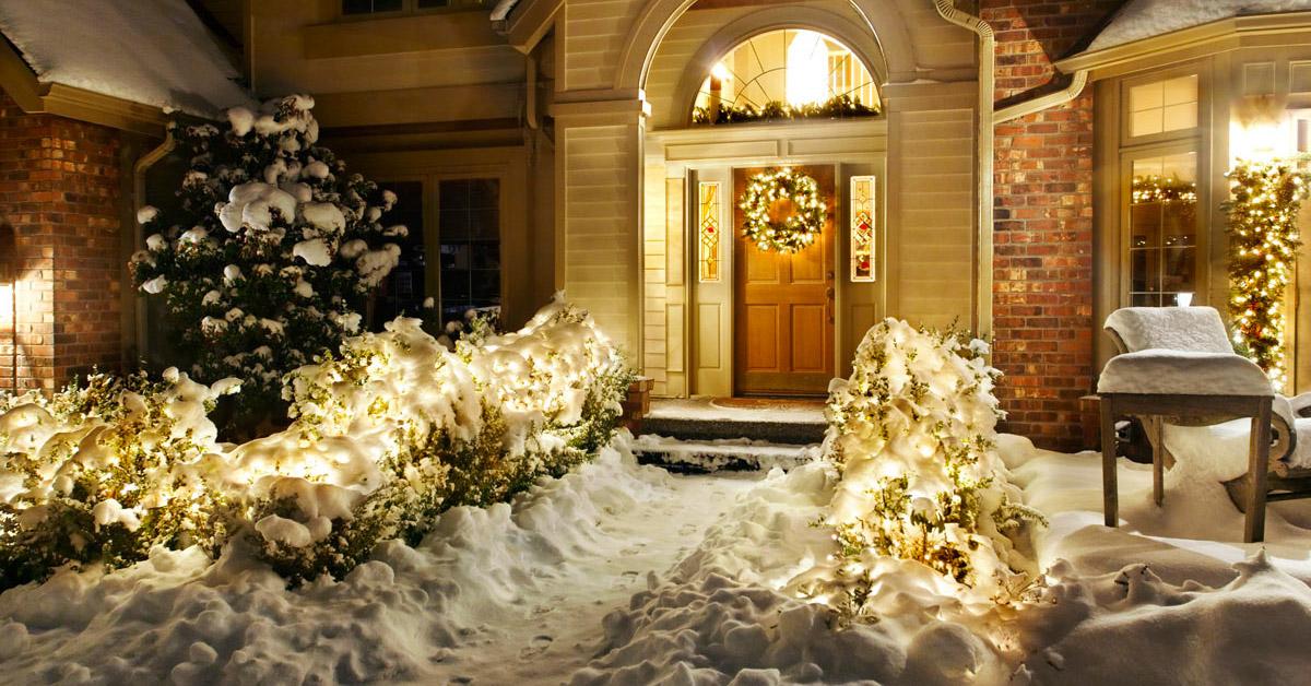 Illuminer son jardin à Noël.