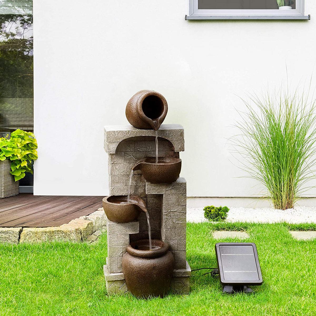 fontaine en pierre pour embellir le jardin