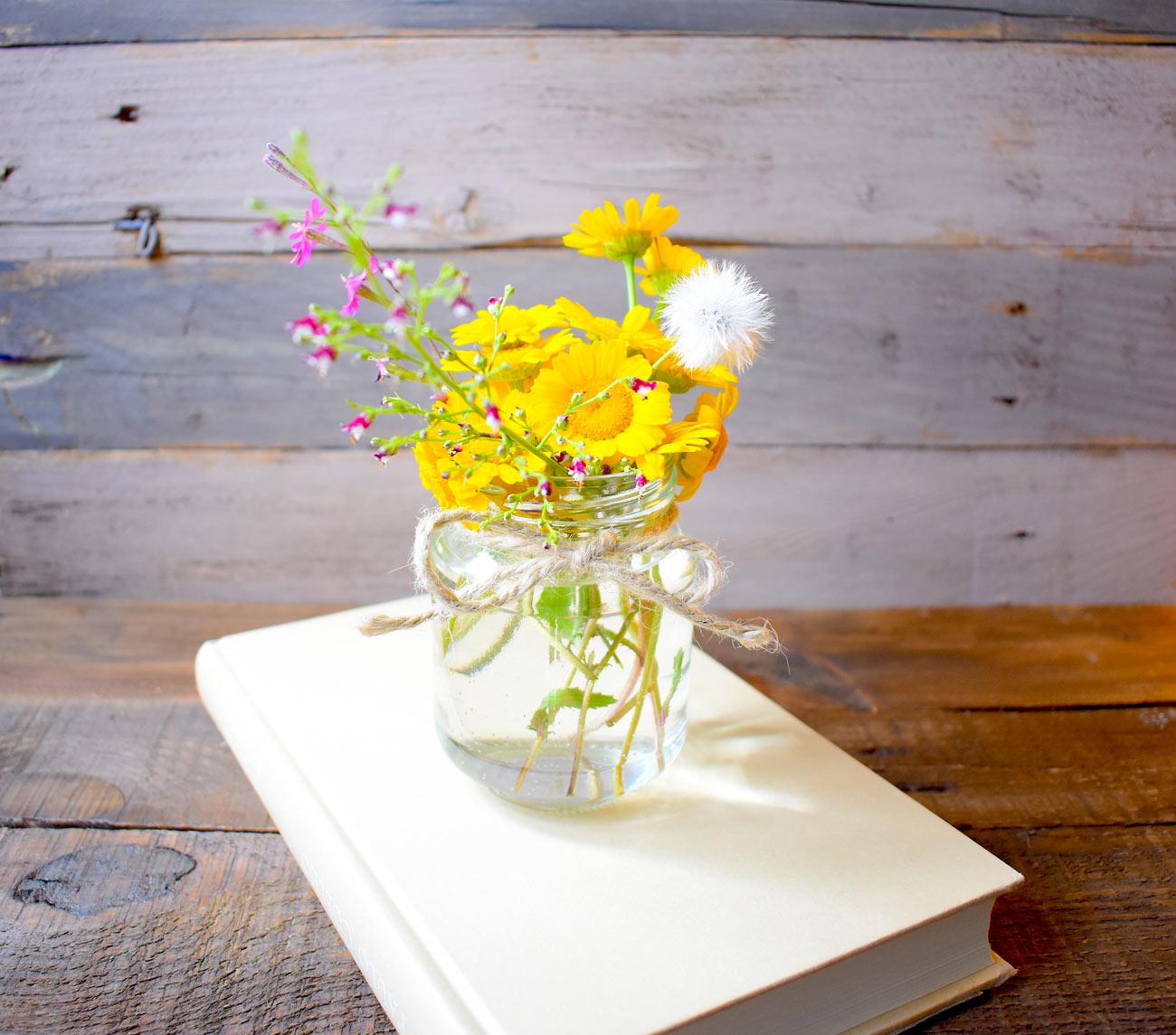 vases printaniers grâce au recyclage créatif