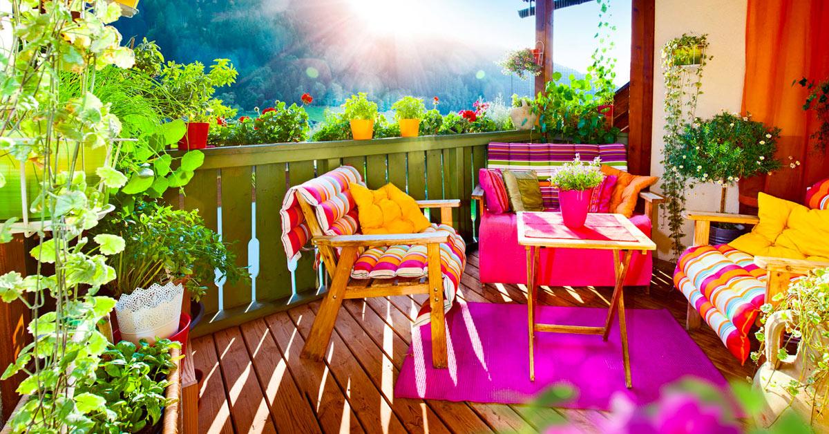 Meubler une petite terrasse.